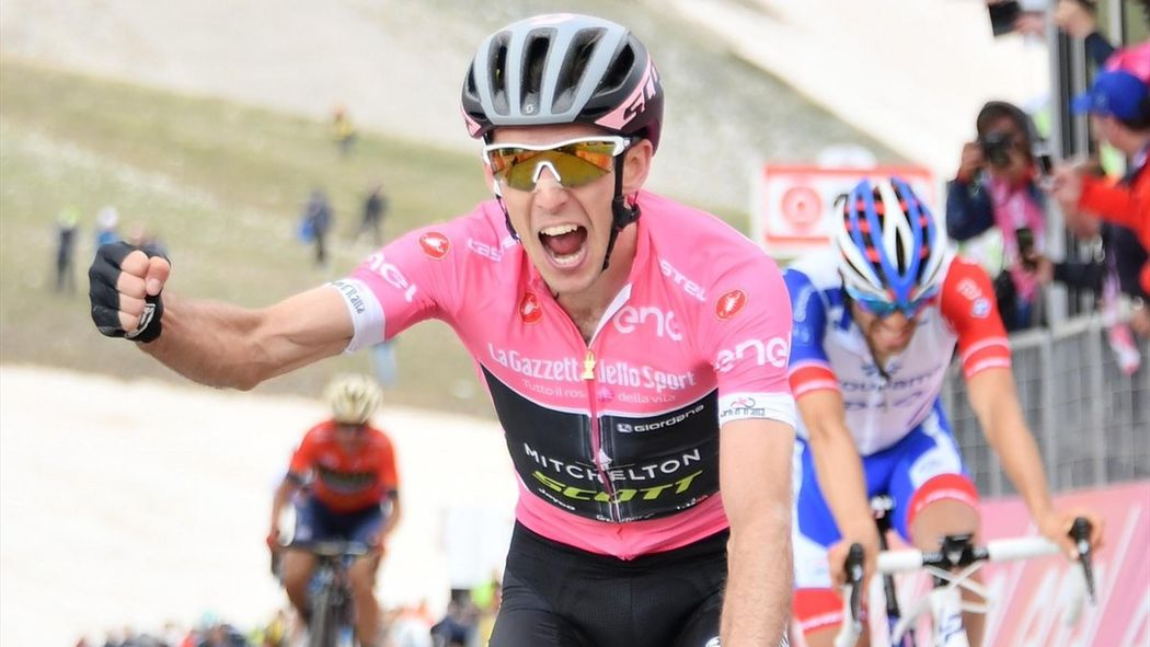 018dcc40b Giro d Italia 2018  Simon Yates wins on Gran Sasso d Italia as Chris Froome  cracks