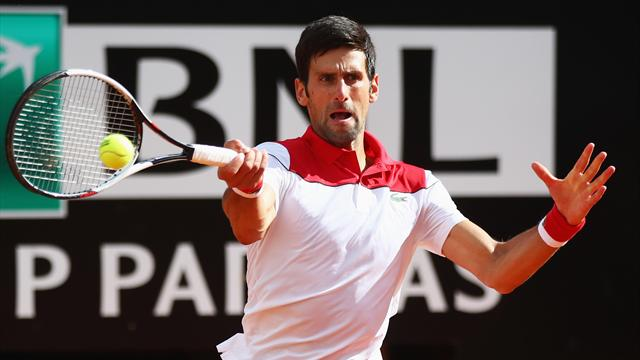 Sur la terre italienne, Djokovic monte gentiment en régime