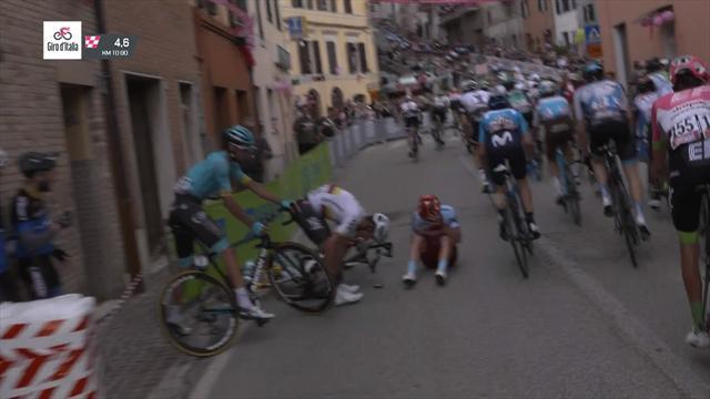 Giro de Italia 2018: Caída múltiple antes del final de la 11ª etapa