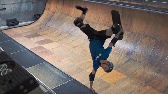 Легендарный скейтбордист Хоук исполнил 50 жестких трюков в честь 50-летия