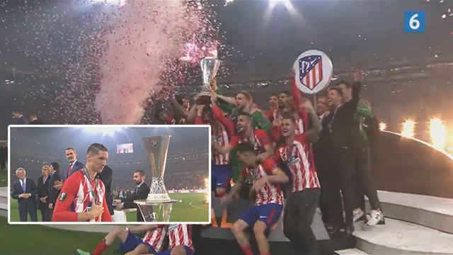 Torres løfter Europa League trofæet