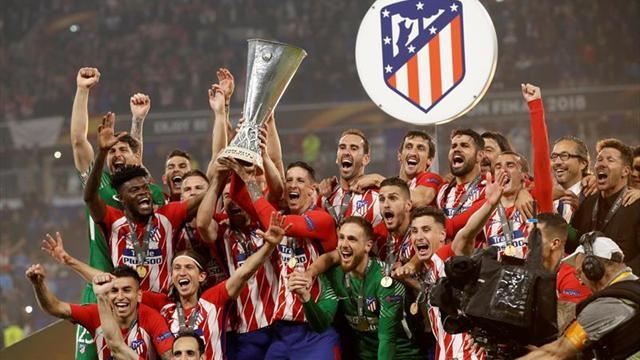 Fernando Torres levanta su primer trofeo en el Atlético de Madrid