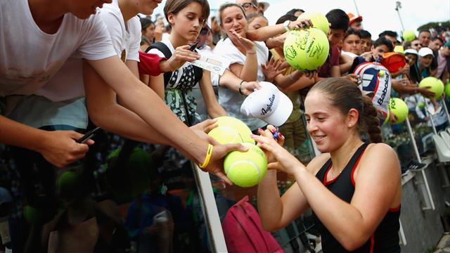 Sharapova too good for Gavrilova in Rome