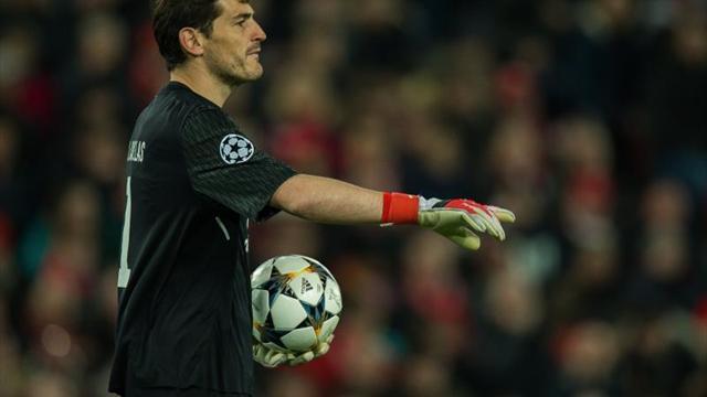 Casillas renueva por una temporada con el Oporto