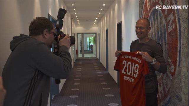 """Robben bis 2019 bei Bayern: """"Bin stolz ein Teil dieses Teams zu sein"""""""