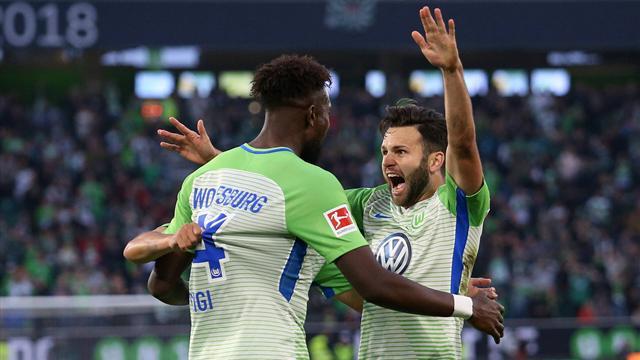 """""""Die Arbeit fruchtet"""": Wolfsburg legt im Hinspiel gegen Kiel vor"""