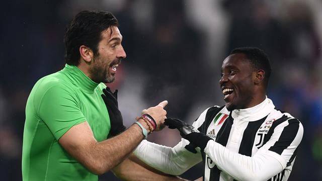 Juventus'a bir ayrılık haberi de Asamoah'tan