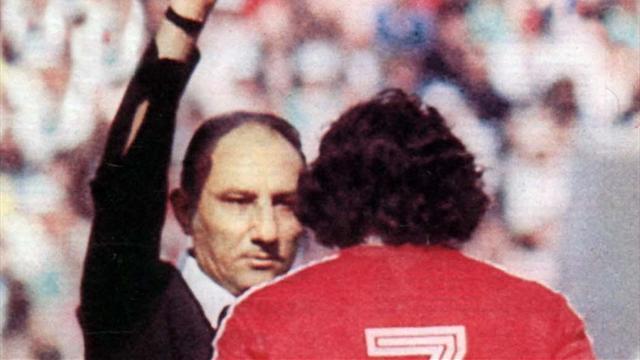 Türkiye'nin Dünya Kupası'nda maç yöneten ilk hakemi Doğan Babacan hayatını kaybetti