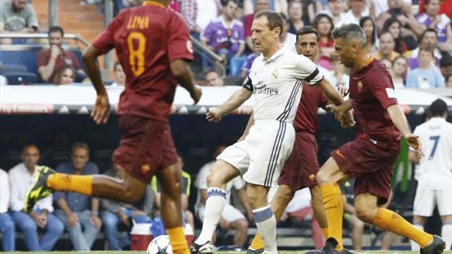 Cuatro equipos de leyendas, incluidos del Madrid y Liverpool, jugarán en Kiev