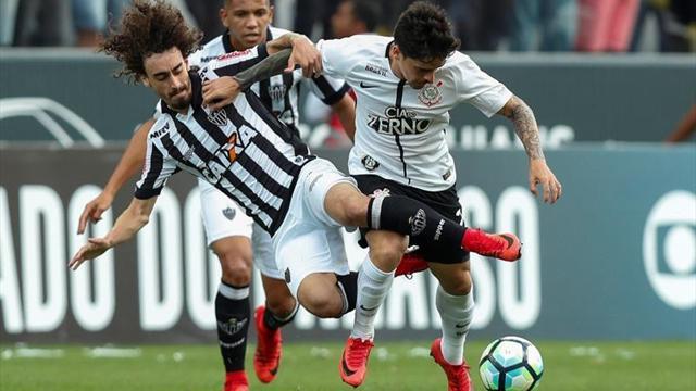 Corinthians y Mineiro esperan un tropiezo del Flamengo para asaltar liderato