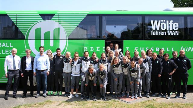 """""""Aushängeschild des VfL"""": Aufsichtsratsboss Witter besucht Wolfsburgerinnen vor Pokalfinale"""
