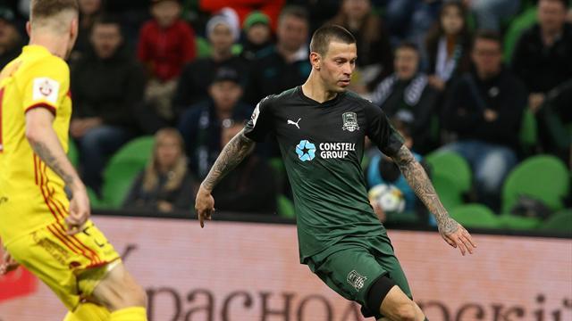 Футболисты выбрали Смолова из«Краснодара» лучшим игроком года