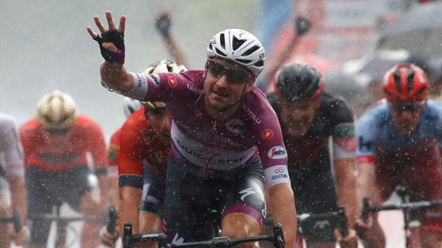 Mit Video | Starker Sprint im Regen: Viviani feiert vierten Etappensieg