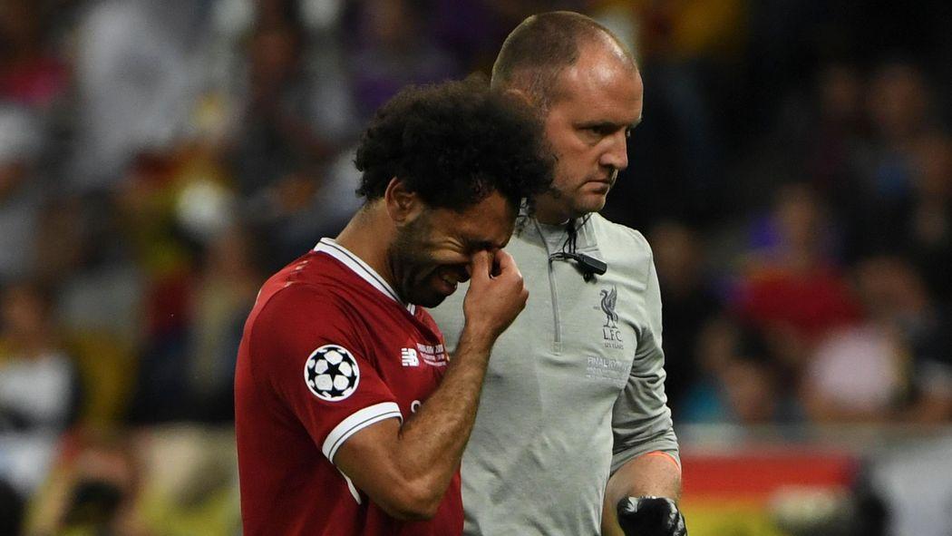 VIDEO - Liverpool   Salah sort sur blessure e8f3a50bb7396