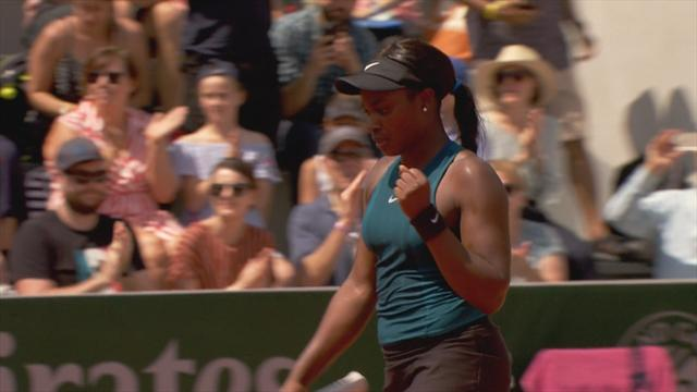 Highlights: Stephens thrashes Rus to progress