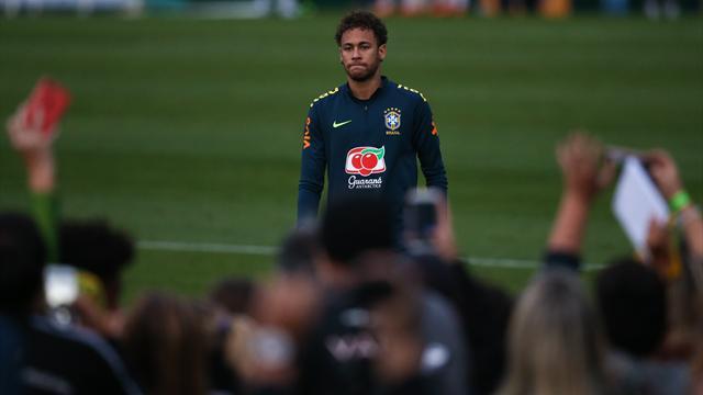 Prêt à jouer mais craintif, Neymar laisse le Brésil en suspens — PSG
