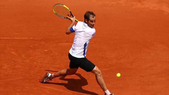 Nadal sort Gasquet en trois sets — Roland Garros