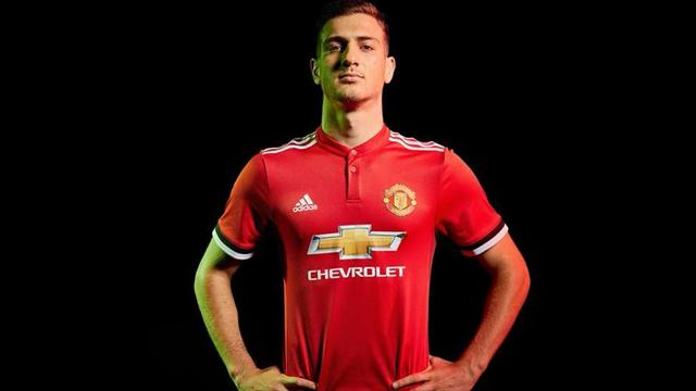 Après Fred, Manchester United s'offre Dalot
