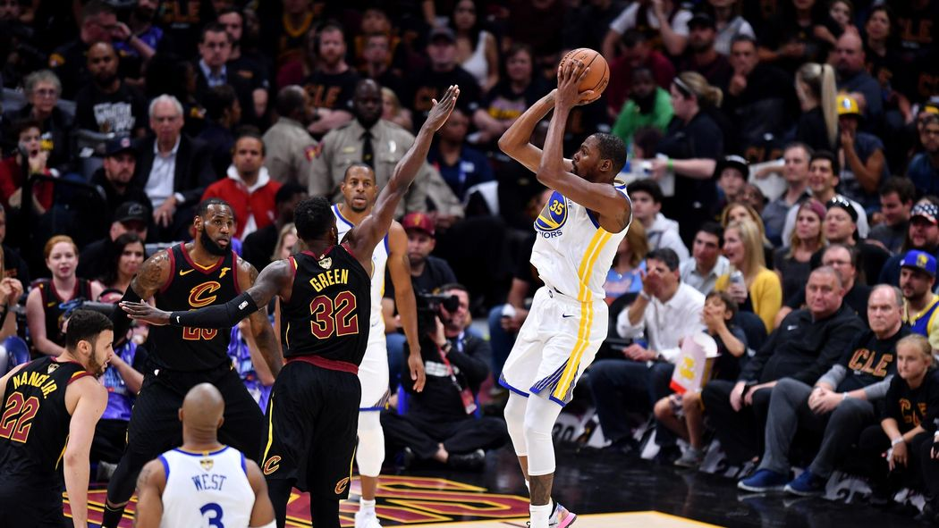 Kevin Durant scores 43 as Warriors move within win of NBA Finals sweep