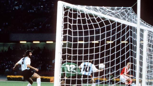 """Maradona e l'altra """"Mano de Dios"""" che fu decisiva a Italia '90"""