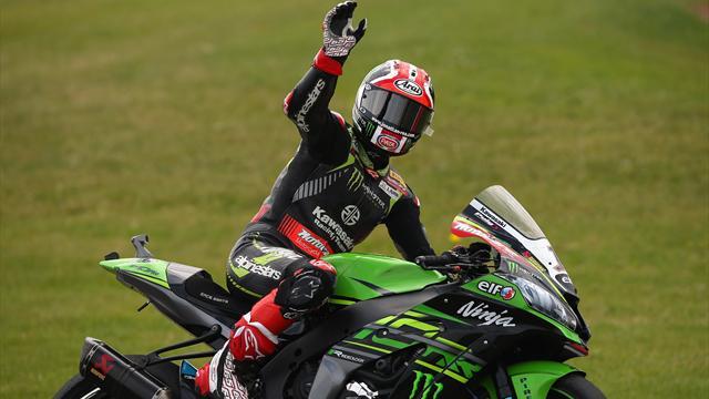 World champion Rea pens new deal with Kawasaki