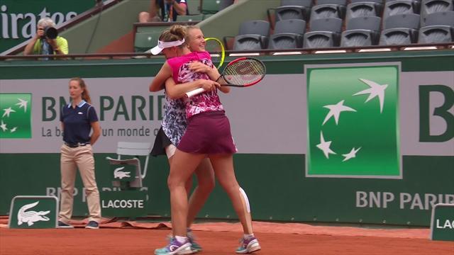 Roland Garros: Krejcikova e Siniakova trionfano nel doppio femminile