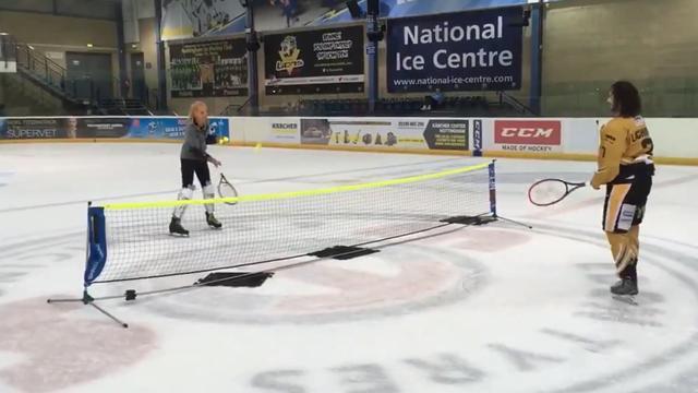 Векич подготовилась к травяному сезону игрой в теннис на льду