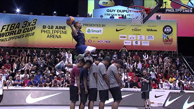 """Dmitry """"Smoove"""" Krivenko è campione nel dunk contest dei Mondiali 3x3"""