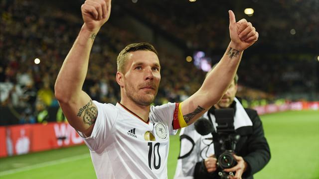 """Podolski: Mit drei Siegen """"sind die Sorgen auch schon weg"""""""