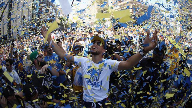 Über eine Million Fans feiern Warriors in Oakland - James verspottet