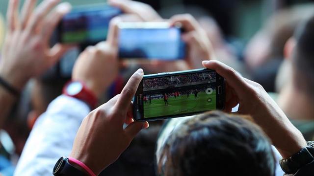 El Levante pone a la venta los abonos con masiva presencia de aficionados