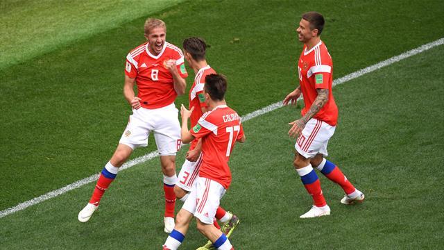 Газинский и Черышев забили в первом тайме игры с саудитами. Обоих игроков нет в альбоме Panini к ЧМ