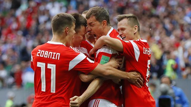 Cheryshev and Golovin inspire five-star Russia
