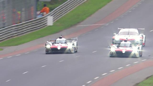 Fernando Alonso supera la Toyota di Lopez e vola in testa alla 24 ore di Le Mans