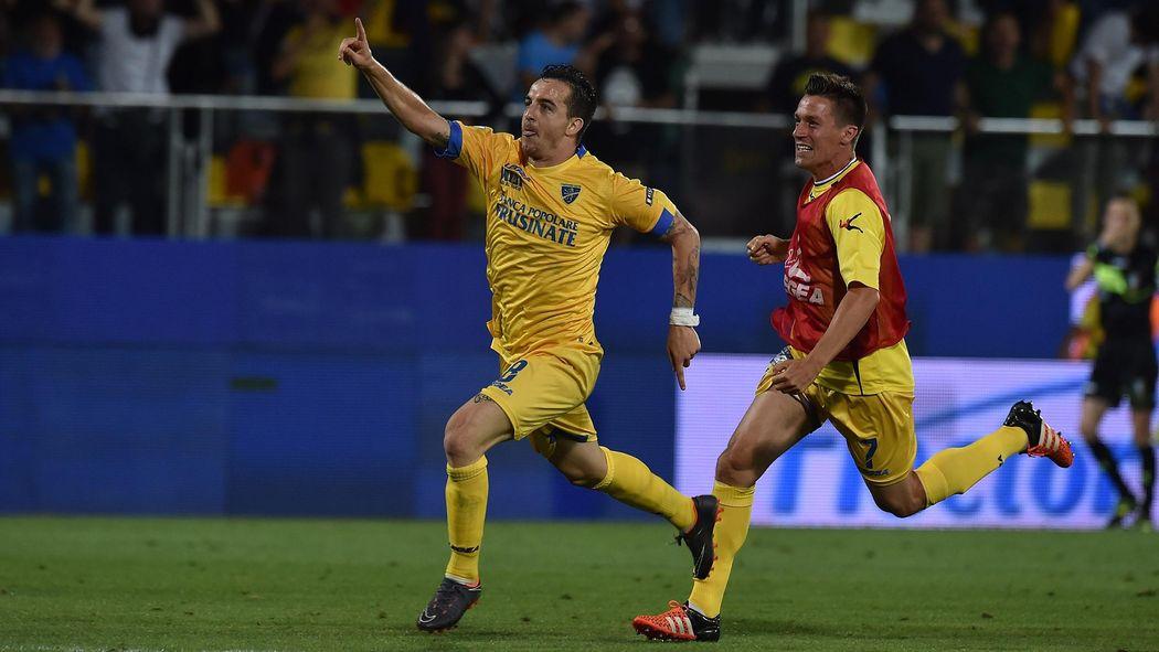Serie A Frosinone Rejoint Empoli Et Parme Dans L Elite Italienne