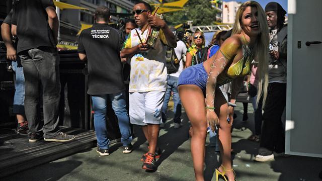 Костариканцы в костюмах яиц, исландцы в пиве и женщинах. 9-й день ЧМ с места событий