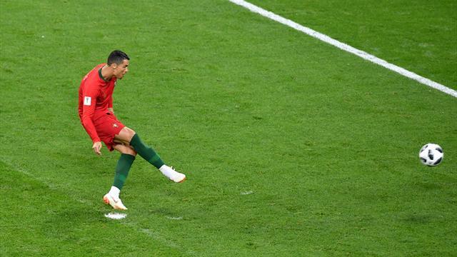 La VAR offre un penalty à Ronaldo... qui manque sa tentative de break pour le Portugal