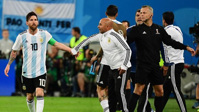 """Argentina agli ottavi ma allenano Messi e Mascherano, Sampaoli alla Pulce: """"Metto Aguero?"""""""