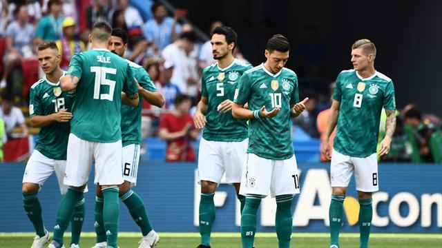 Футболисты сборной Германии вовремя ЧМ-2018 разделились надва лагеря