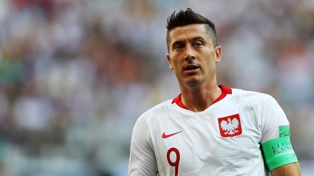 Le pagelle di Giappone-Polonia 0-1: altra giornata negativa per Lewandowski