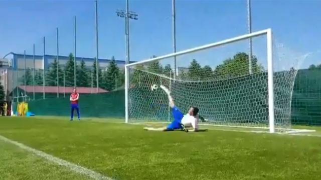 Дзюба на тренировке перед Испанией отбил пенальти ногой. Именно так Акинфеев взял решающий пенальти