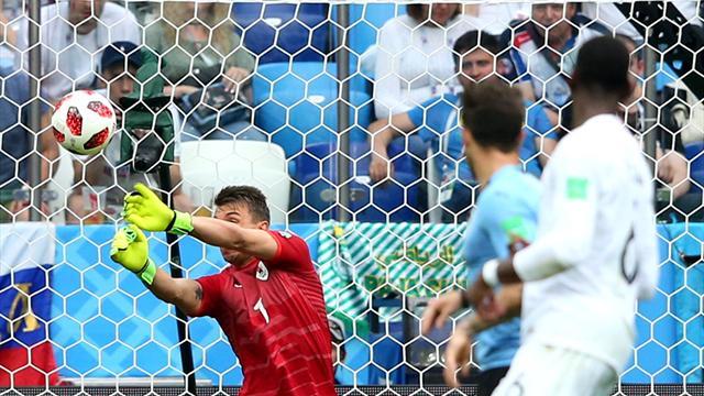 Le pagelle di Uruguay-Francia 0-2: Varane perfetto, che papera Muslera!
