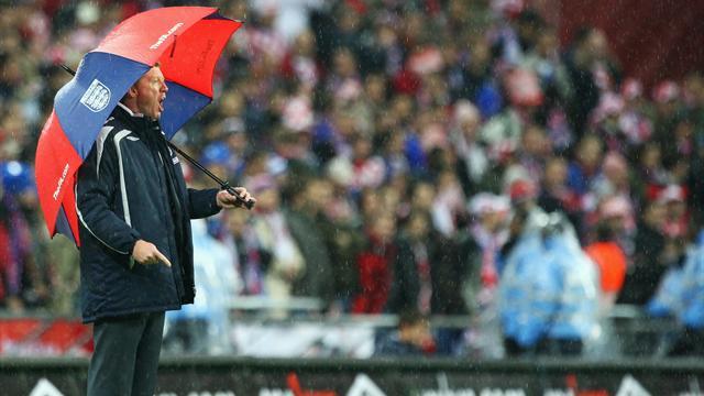 """L'Angleterre, la Croatie et """"l'abruti au parapluie"""""""