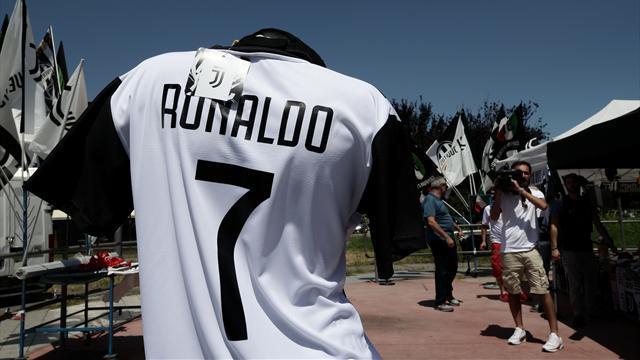 """Des ouvriers de Fiat font grève après le transfert """"inacceptable"""" de Ronaldo à la Juve"""