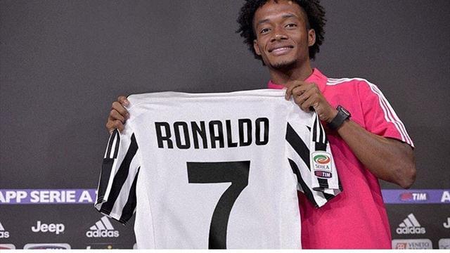 Juventus, Cuadrado cede la 7 a Cristiano Ronaldo e lo annuncia con un divertente tweet