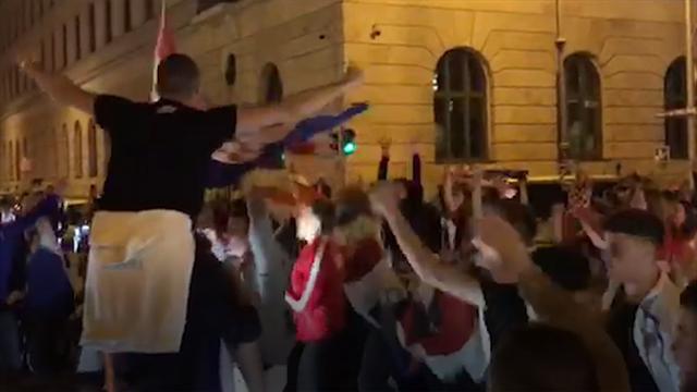 """""""Hrvatska! Hrvatska!"""" So feiern kroatische Fans in München"""