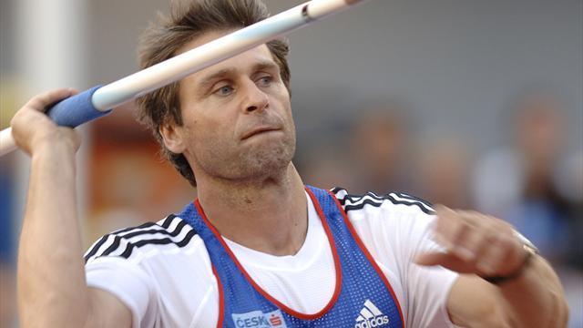 Zelezny übergibt Weltrekord-Speer an Ausstellung in Ostrava