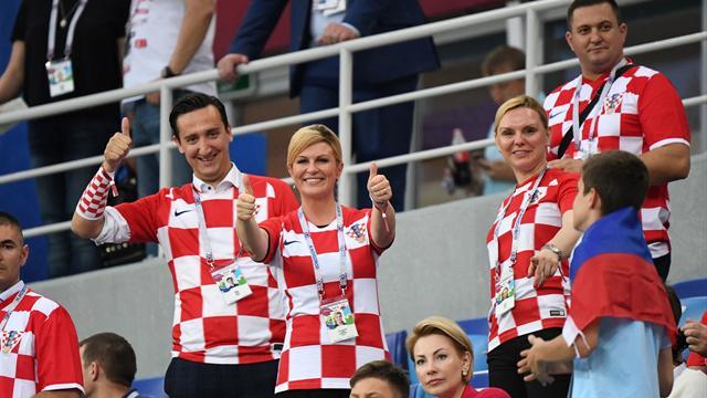 Президент Хорватии подарила майки сборной Трампу и Мэй