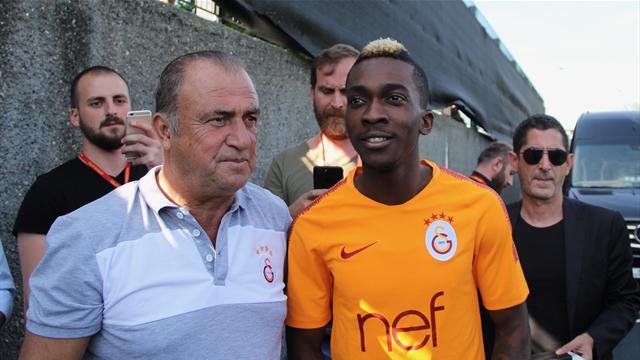 Onyekuru, Galatasaray'ın kampına katıldı