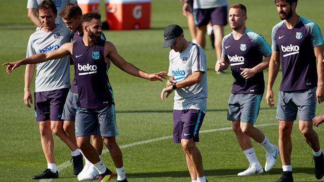 El Barça se entrena por segunda vez con Arthur a la espera de Lenglet